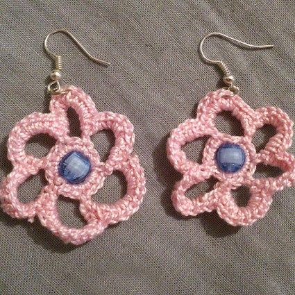 Πλεκτά ροζ σκουλαρίκια
